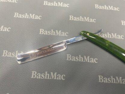 Лазерная гравировка на ноже для бритья