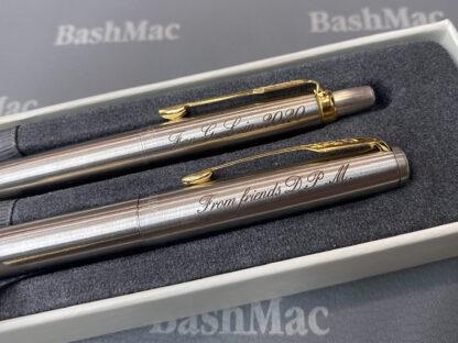 Гравировка на ручках Parker