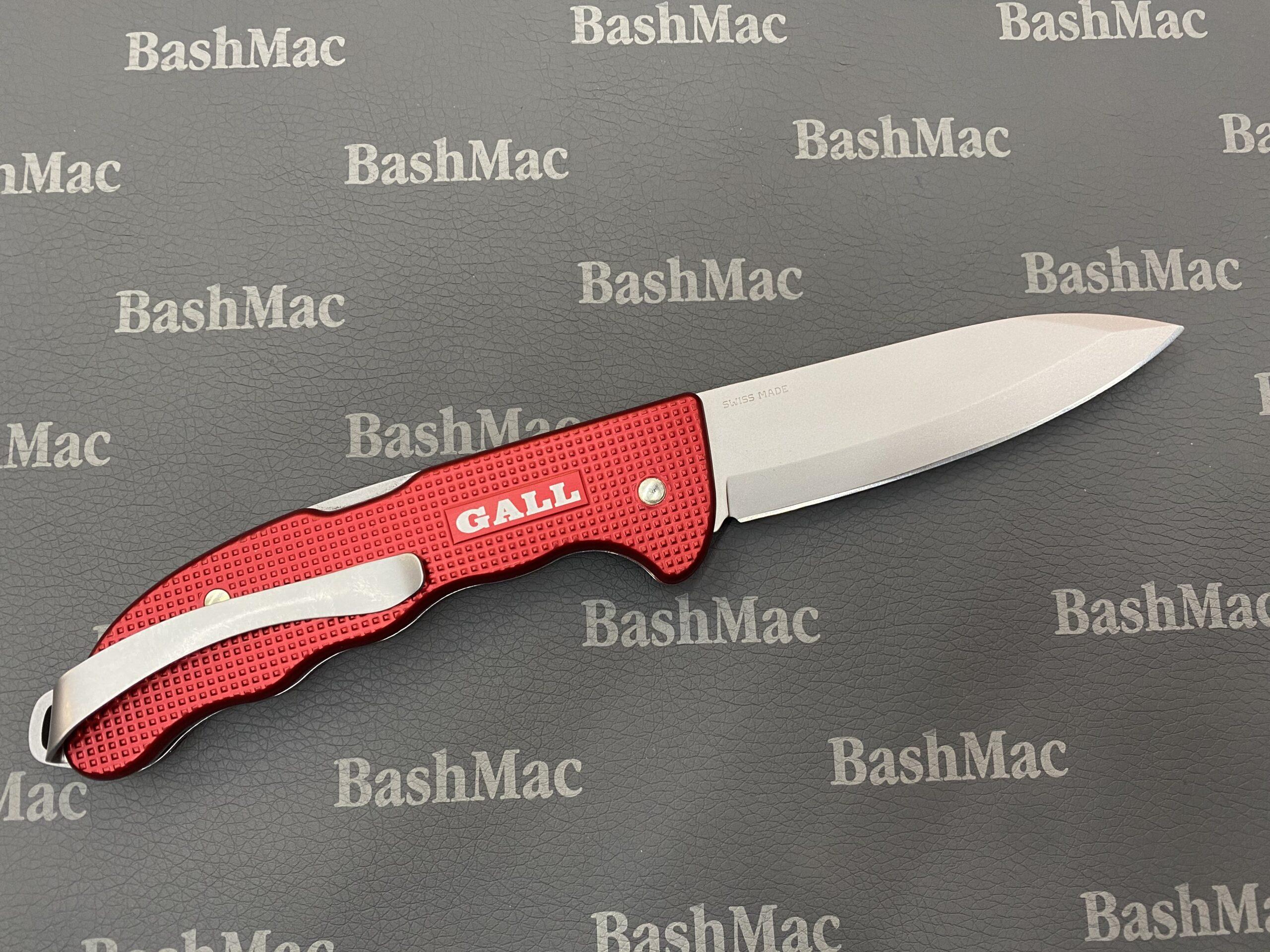 Примеры гравировки на ножах Victorinox